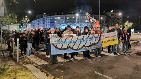 Plusieurs centaines de personnes ont défilé, le 26 novembre à Rouen, pour «faire avancer la transparence et la vérité», après l'incendie qui a ravagé l'usine Lubrizol.