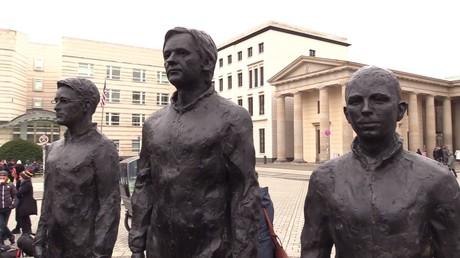 Allemagne : l'œuvre d'art en hommage aux lanceurs d'alerte revient à Berlin