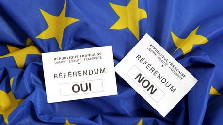 En 2005, les Français ont décidé de voter non au traité établissant une constitution pour l'Europe (image d'illustration).