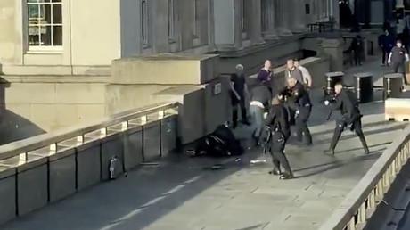 La scène où l'assaillant de l'attaque au couteau a été tué le 29 novembre à Londres.