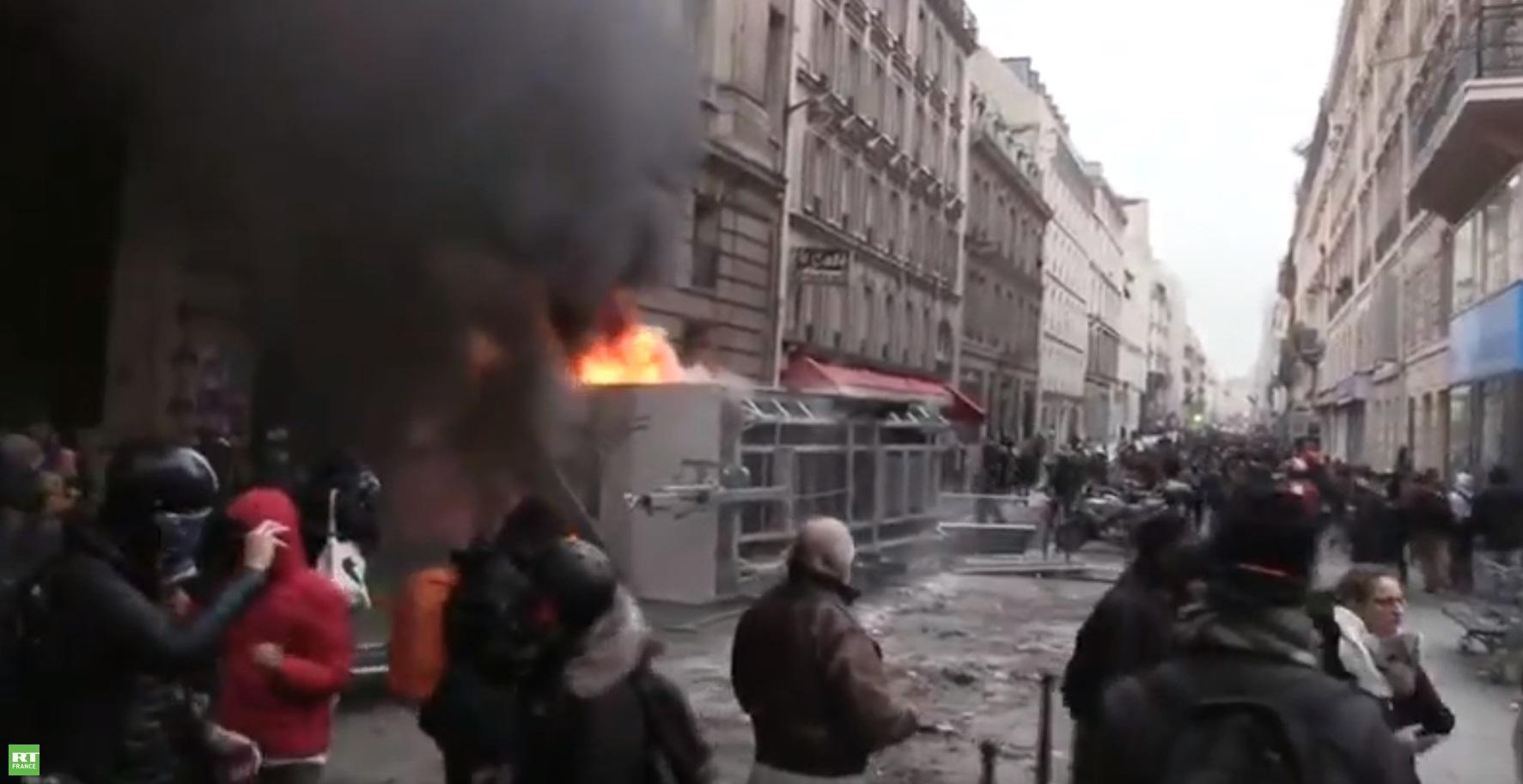 Des incidents éclatent à Paris lors de la mobilisation contre la réforme des retraites