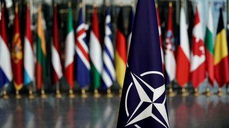 Photo prise le 20 novembre 2019, montrant un drapeau de l'OTAN dans le  quartier général à Bruxelles.