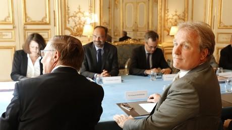 Le président de la CFE-CGC, François Hommeril (à droite) lors de la réunion du 6 septembre 2019 à l'hôtel Matignon, à Paris, dans le cadre des consultations avec les partenaires sociaux sur la réforme des retraites (image d'illustration).