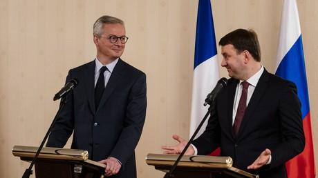 Conférence de presse conjointe du ministre français de l'Economie et des Finances Bruno Le Maire (à gauche) et du ministre russe du Développement économique Maxime Orechkine à Moscou le 10 décembre 2019