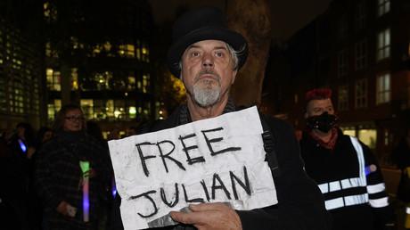 «Un Noël pour Julian Assange» : mobilisation à Paris pour le fondateur de WikiLeaks