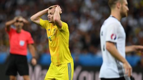 Zelensky apporte son soutien au footballeur ukrainien controversé traité de «nazi» en Espagne