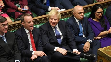 Boris Johnson était tout sourire le 20 décembre à la Chambre des communes.