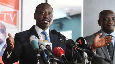 L'opposant Guillame Soro anime à Abidjan une conférence de presse quelques jours après sa démission de la présidence de l'Assemblée nationale ivoirienne, le 15 février 2019.