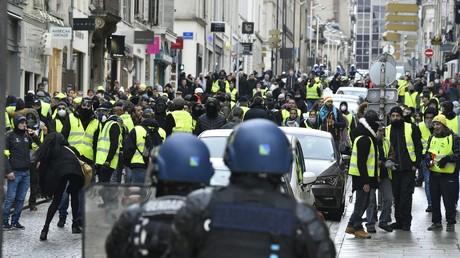 Des gendarmes en pleine opération de maintien de l'ordre lors d'une manifestation de Gilets jaunes à Nancy (photo d'illustration)