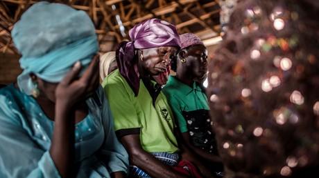 Des femmes chrétiennes priant dans une église au Nigeria (illustration)