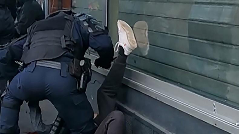 Manifestant frappé au sol par un policier : une enquête judiciaire ouverte et confiée à l'IGPN