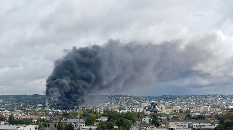 L'incendie de Lubrizol a-t-il provoqué une «pluie de poussière d'amiante» ?