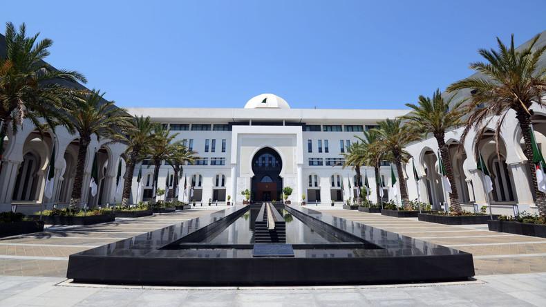 Libye : six chefs de la diplomatie attendus à Alger pour tenter de mettre fin au conflit