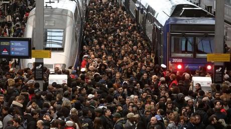 29e jour de grève à la SNCF : la mobilisation bat le record de 1986-87