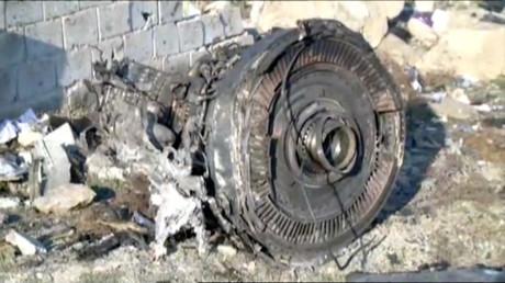 Une partie de l'épave du vol PS752 d'Ukraine International Airlines, un Boeing 737-800 qui s'est écrasé après son décollage de l'aéroport Imam Khomeini de Téhéran.