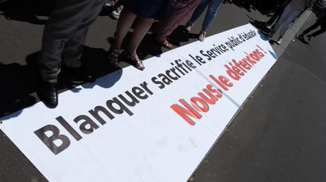 «Mensonge et déception» : des professeurs proposent une «rupture conventionnelle» à Blanquer