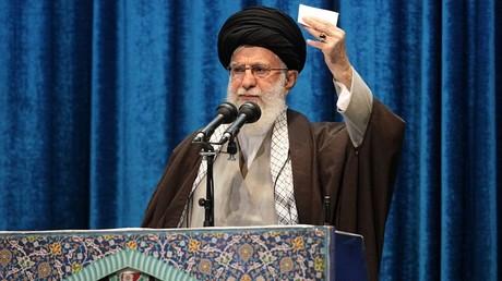 Le Guide suprême iranien, Ali Khamenei, le 17 janvier 2020, dans la mosquée Mosalla de Téhéran, en Iran.