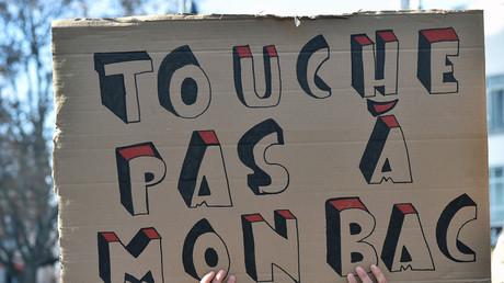 300 manifestants s'introduisent dans un lycée de Clermont-Ferrand, des épreuves du bac annulées