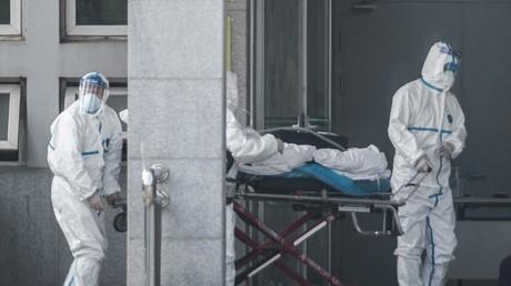 Un patient atteint du virus hospitalisé à Wuhan (Chine), le 18 janvier 2020.