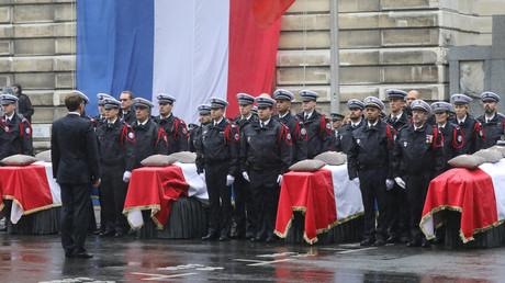 Cérémonie en hommage aux victimes de Mickaël Harpon à la préfecture de police de Paris, en présence d'Emmanuel Macron, le 8 octobre 2019 (image d'illustration).
