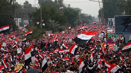 Des manifestants défilent contre la présence américaine en Irak, le 24 janvier 2020, à Bagdad.