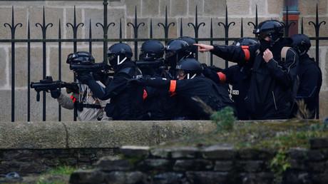 Les policiers interviennent avec leurs lanceurs de balle de défense à Nantes lors d'une opération de maintien de l'ordre le 26 janvier 2019 à Nantes (image d'illustration).