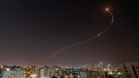 L'armée israélienne frappe le Hamas en riposte à des tirs de roquettes depuis Gaza (VIDEOS)
