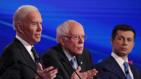 Joe Biden, Bernie Sanders et Pete Buttigieg lors d'un débat pour la primaire démocrate américaine à Des Moines, Iowa, le 14 janvier 2020 (image d'illustration).