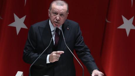 Le président turc, Recep Tayyip Erdogan, prononce un discours lors d'une réunion de son parti, à Ankara, le 31 janvier 2020 (image d'illustration).