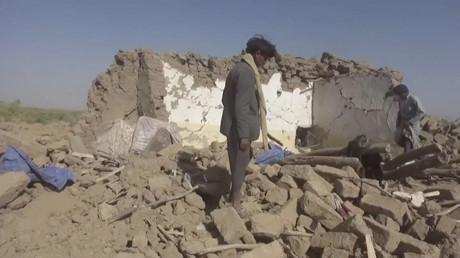 Fouille des décombres après une frappe aérienne dans la province d'Al-Jawf, au Yémen, le 15 février 2020 (image d'illustration).