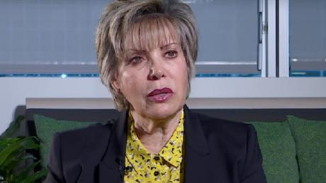 Zoubida Assoul, président du parti de l'Union pour le changement (UCP), évoque le premier anniversaire du Hirak sur RT France.