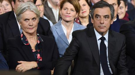 Penelope et François Fillon lors d'un meeting de campagne présidentielle le 29 janvier 2017 à Paris (image d'illustration).