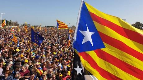 A Perpignan, l'indépendantiste Carles Puigdemont rassemble des dizaines de milliers de partisans