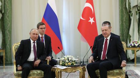 Le président russe, Vladimir Poutine, et son homologue turc, Recep Tayyip Erdogan, lors d'une rencontre à Téhéran, en septembre 2018 (image d'illustration).