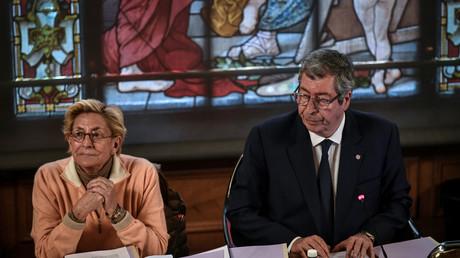 Les époux Balkany à la mairie de Levallois-Perret le 15 avril 2019 (image d'illustration).