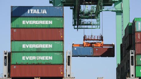 Des containers sont déchargés au port de Los Angeles en provenance de Taipei (image d'illustration).