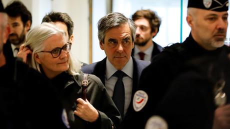François Fillon et son épouse Penelope au tribunal de Paris, le 10 mars 2020.