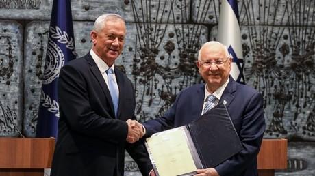Benny Gantz et Reuven Rivlin, le 23 octobre 2019, à Jérusalem (image d'illustration).