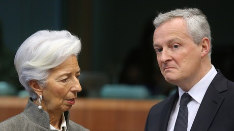 La présidente de la Banque centrale européenne (BCE), Christine Lagarde (g.), et le ministre français de l'Economie et des Finances, Bruno Le Maire, lors d'une réunion de l'Eurogroupe au siège de l'UE à Bruxelles le 17 février 2020 (illustration).