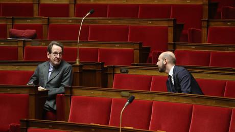 Les marcheurs Gilles Legendre et Stanislas Guérini le 22 mars à l'Assemblée nationale (image d'illustration).