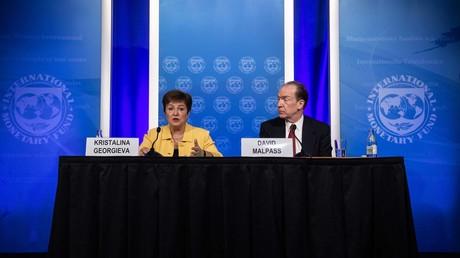 La directrice générale du FMI, Kristalina Georgieva, et le président du Groupe de la Banque mondiale, David Malpass, lors d'un point de presse conjoint sur le Covid-19 à Washington le 4 mars 2020 (illustration).