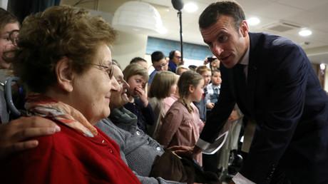 Emmanuel Macron visite un Ehpad, le 7 novembre 2018, à Rozoy-sur-Serre (image d'illustration).