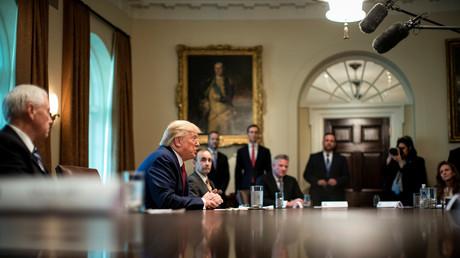 Le président américain Donald Trump prend la parole lors d'une réunion avec des distributeurs de la chaîne d'approvisionnement dans la salle du Cabinet de la Maison Blanche à Washington, États-Unis, le 29 mars 2020 (image d'illustration).