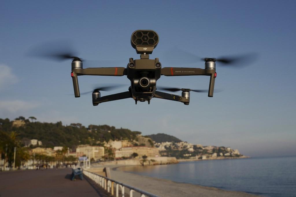 Lutte contre le Covid-19 : drones, robots... les nouvelles technologies en renfort