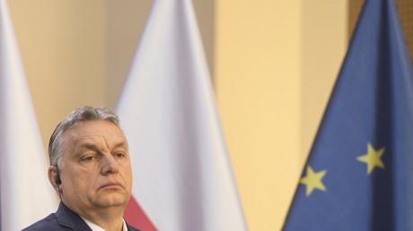 Le Premier ministre hongrois Viktor Orban donne une conférence de presse conjointe avec le Premier ministre tchèque, le 4 mars 2020 à Prague
