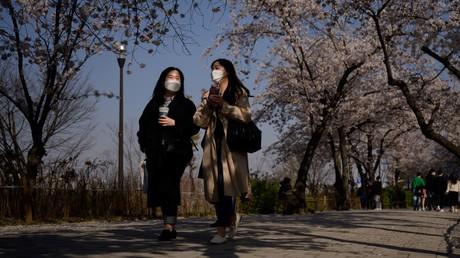 Des habitantes de Séoul se promenant (image d'illustration)
