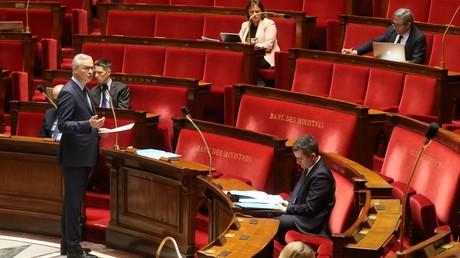 Le ministre de l'Economie et des finances, Bruno Le Maire, devant l'Assemblée nationale, le 19 mars 2020, à Paris (image d'illustration).