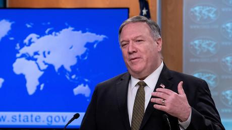 Le secrétaire d'Etat américain Mike Pompeo prend la parole lors d'un point presse du département d'Etat à Washington, le 22 avril 2020.
