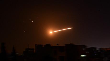 Image de l'agence Sana montrant l'interception d'un missile israélien par la défense syrienne, au-dessus de Damas, le 24 février 2020 (image d'illustration).