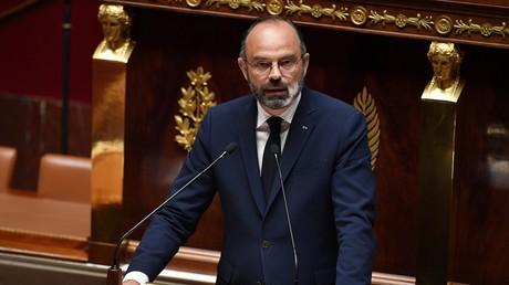 Le Premier ministre français Edouard Philippe dévoile sa stratégie de déconfinement à l'Assemblée nationale, à Paris le 28 avril 2020.
